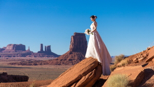 Monument Valley Wedding Photography